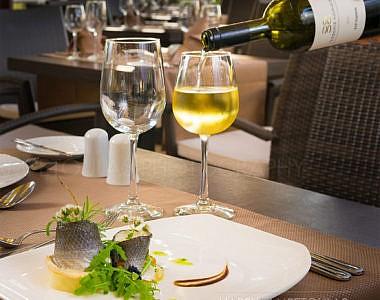 Dionissos-Table-1-380x300 Hotel Sun Beach Resort Complex - Hotel Photographer Harry Zampetoulas Rhodes