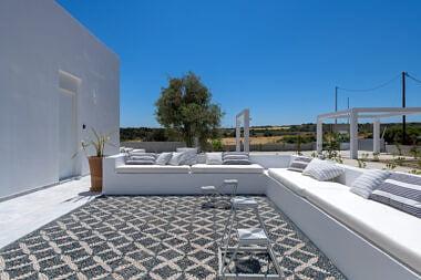 Backyard-1-380x253 Seashore Villa - Harry Zampetoulas Photography