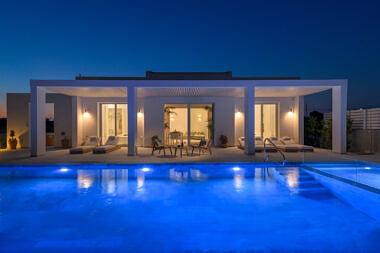 Exterior-Night-2-380x253 Seashore Villa - Harry Zampetoulas Photography