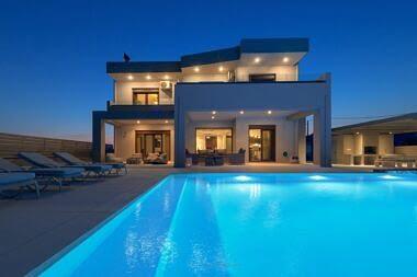 Exterior-Night-1-380x253 Villa Cerulean - Harry Zampetoulas Photography